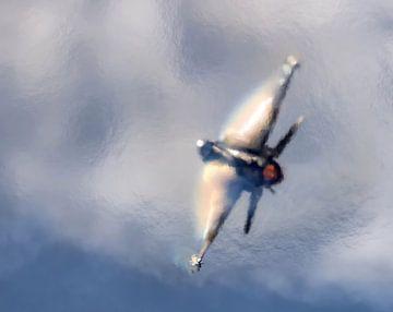 Greek F16 maakt wolken en regenbogen op zijn vleugels van Stefano Scoop