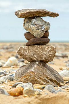 Stenen in balans gestapeld. van Dennis Schaefer