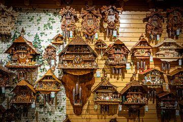 Cuckoo clocks van Ursula Di Chito