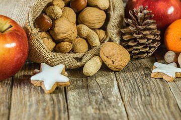 De samenstelling van het Kerstmisvoedsel op houten lijst van Alex Winter