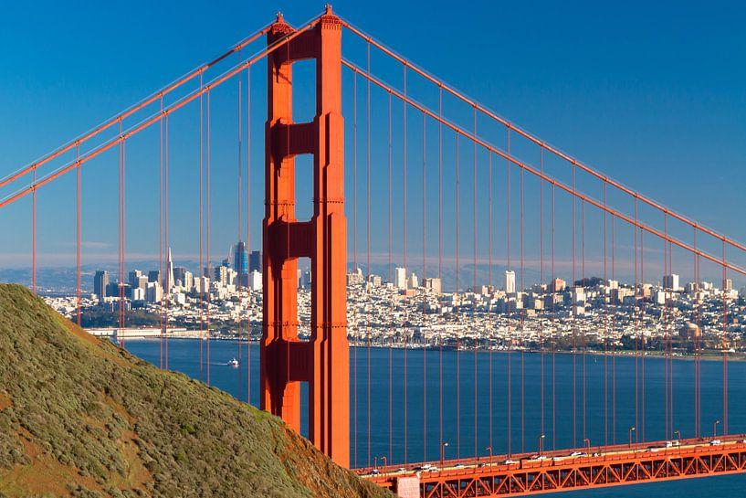 Golden Gate Bridge met de skyline van San Francisco van Jan van Dasler