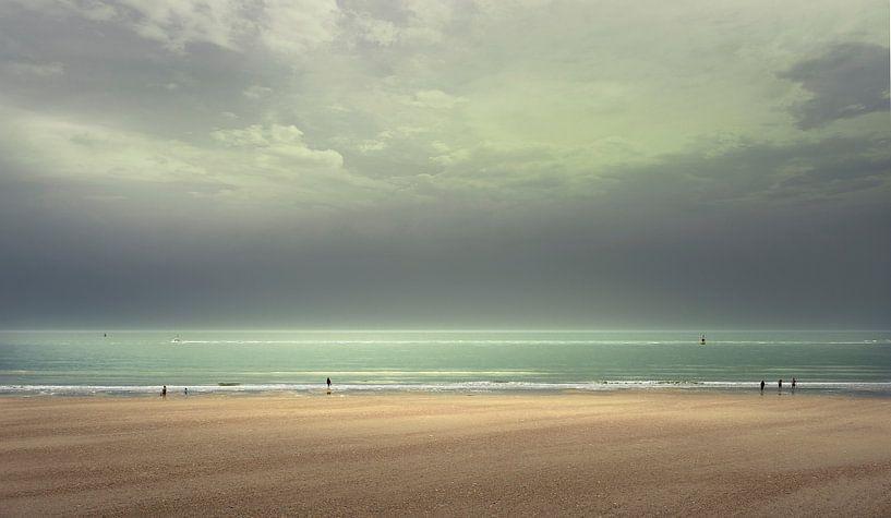 3600 Sunday on the beach van Adrien Hendrickx