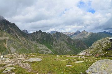 Berglandschap  von Karin Stuurman
