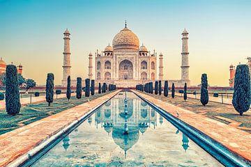 Die Schönheit des Taj Mahal von Manjik Pictures