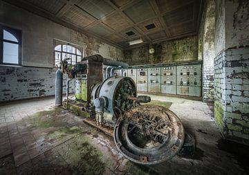 Controlekamer in oude fabriek van