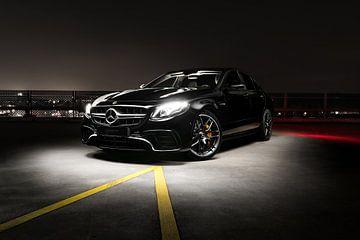 Mercedes E-63.S AMG V8 Nacht von Maikel van Willegen Photography