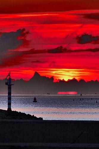 Zonsondergang bij Harlingen van