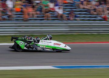 Sidecar race van Thijs Schouten