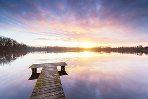 Steiger bij zonsondergang (Nederland)