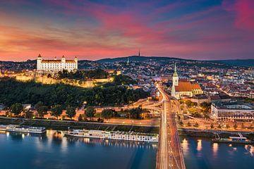 Zonsondergang in Bratislava van Michael Abid
