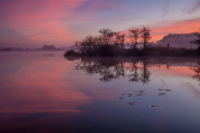 Dageraad in Nationaal park Weerribben-Wieden van Wilko Visscher