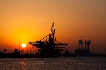 Sunset op de Maasvlakte van Guido Akster