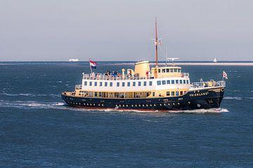 Frau Friesland auf dem Weg nach Vlieland von Gerard Koster Joenje (Vlieland, Amsterdam & Lelystad in beeld)
