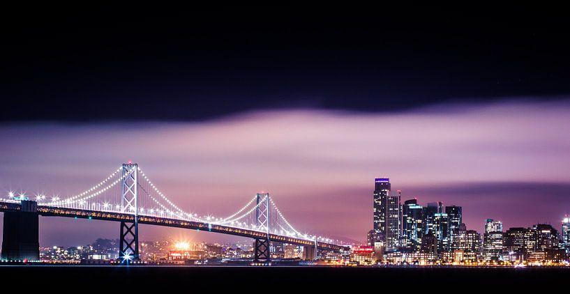 Bay Bridge à San Francisco en soirée sur Atelier Liesjes