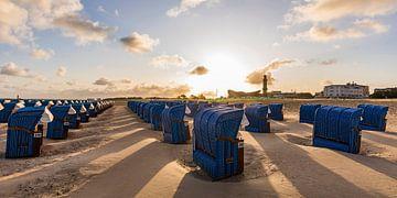 Chaises longues sur la plage de Warnemünde sur Werner Dieterich