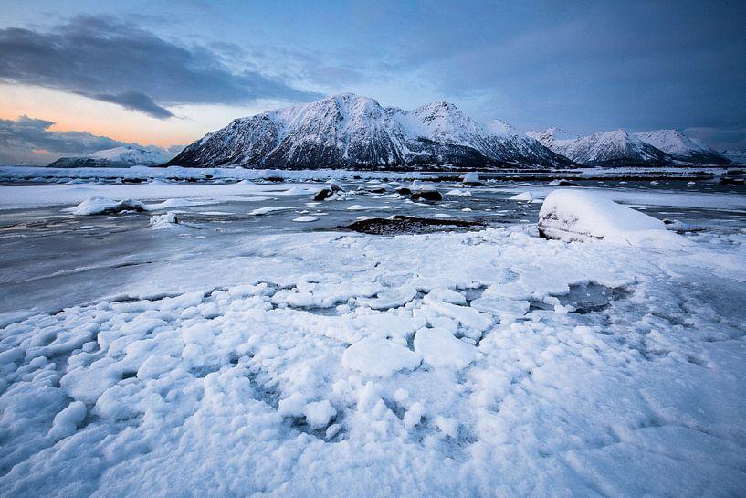 Winterlandschap op de Vesteralen / Lofoten, Noorwegen van Martijn Smeets