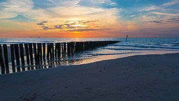 De kust van Zeeuws-Vlaanderen. van Karel Warburg