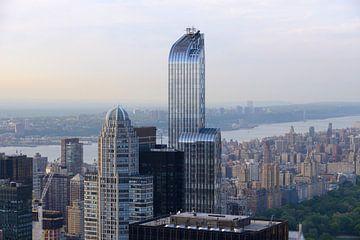 Manhattan met One57 ofwel The Billionaire Building gezien vanaf het Empire State Building van
