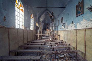 chapelle bleue abandonnée sur