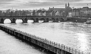 Maastricht - Sint Servaasbrug in zwart wit