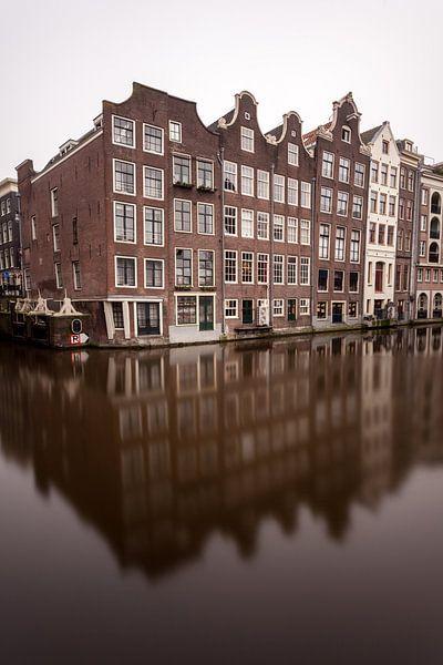 Amsterdamse grachtenpanden van Albert Mendelewski