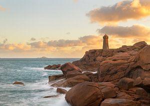 Sonnenaufgang Leuchtturm Le Phare Mean Ruz von Jos Pannekoek