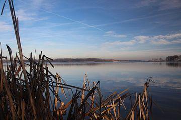 wegkijken over het water von Hanneke van den Berg