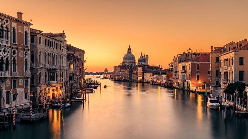 Dawn op Venetië, Eric Zhang van 1x