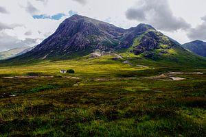 eenzaam huisje aan de rivier - Glen Coe - Schotland