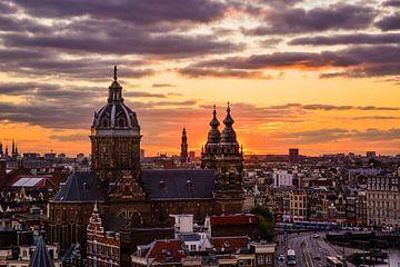 Sonnenuntergang über Amsterdam von Romy Oomen