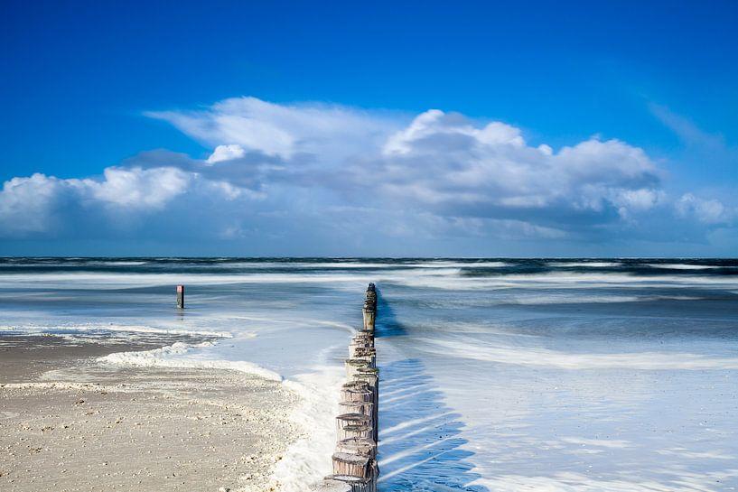 Het ondergelopen strand van Ameland van Ton Drijfhamer