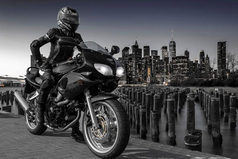 Manhattan Biker von Alexander Schulz