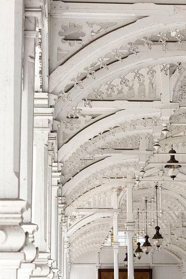Architectuur witte houten bogen - Tsjechische markthal