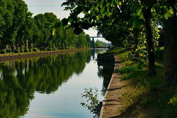 Das Schweigen auf dem Kanal Zuid Willemsvaart von J..M de Jong-Jansen