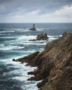 De ruige kust van Pointe du Raz in Bretagne