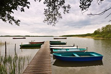Boats on a lake van Rico Ködder