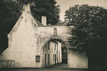 Het witte poorthuis - zwart-wit von Wicher Bos