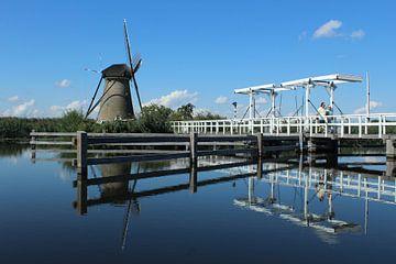 Hollands landschap met molens van Berg Photostore