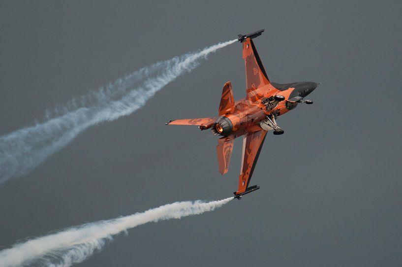 F-16 Demo team in actie sur Tammo Strijker