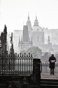 Here is the news, Prague 1987 van Xlix Fotografie