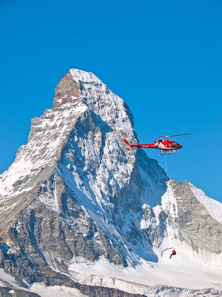Air Zermatt en de Matterhorn, Zwitserland van Menno Boermans