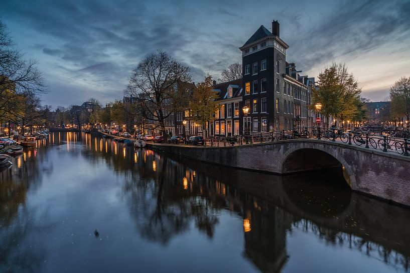 Schemering in Amsterdam van Jeroen de Jongh