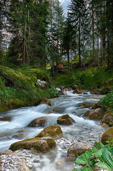 Waterval in de bergen van Wim Slootweg