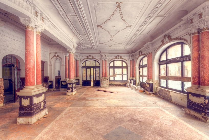 Grand Hotel van Roman Robroek