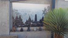 Klantfoto: Een mystiek moment bij de Borobudur (gezien bij vtwonen) van Juriaan Wossink, op canvas