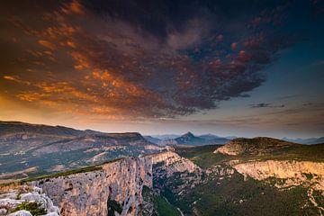 Wolkenpracht boven de Gorges du Verdon van Damien Franscoise
