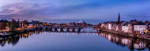 Panorama van de stad Maastricht van
