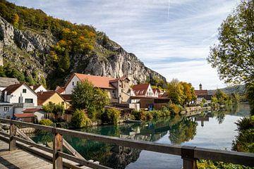 Vue idyllique du village de Markt Essing en Bavière sur Reiner Conrad