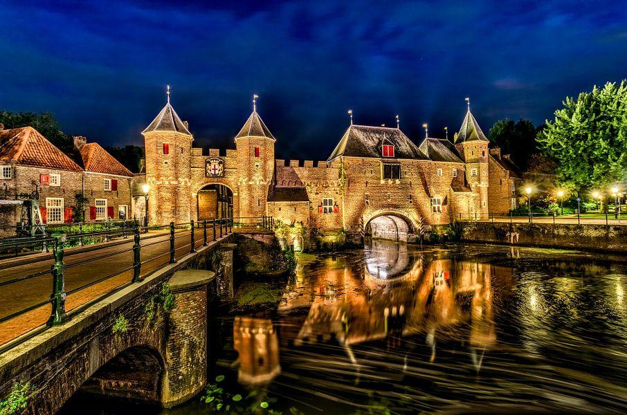 Middeleeuwse Koppelpoort - stadspoort naar Amersfoort van Rene Siebring