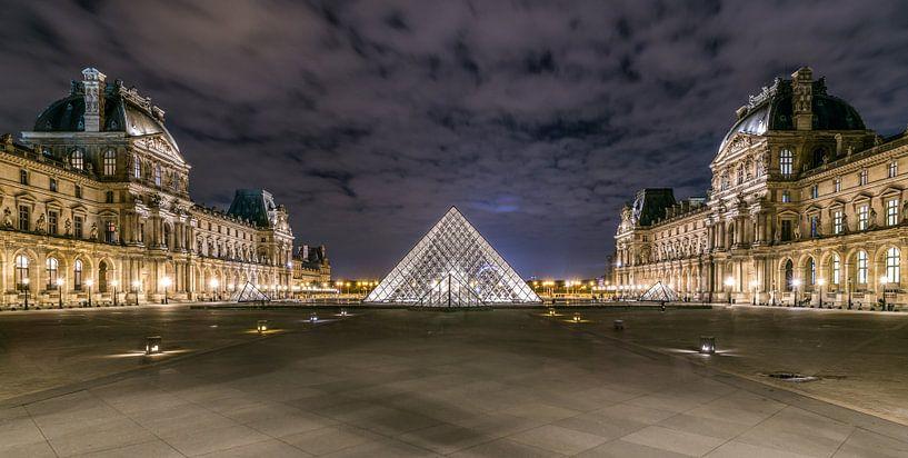 Louvre in der Nacht von Henk Verheyen